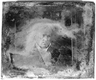 #TBT: Decaying Daguerrotypes Look Scary and Beautiful