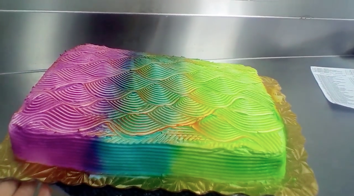 Color Changing Cake 4