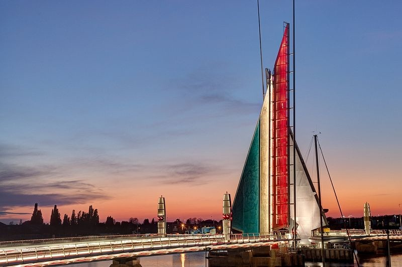 This English Bridge Opens to Form Two Beautiful Sails
