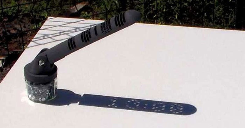 digital-sundial-that-you-can-3d-print-yourself-by-mojoptix-cover