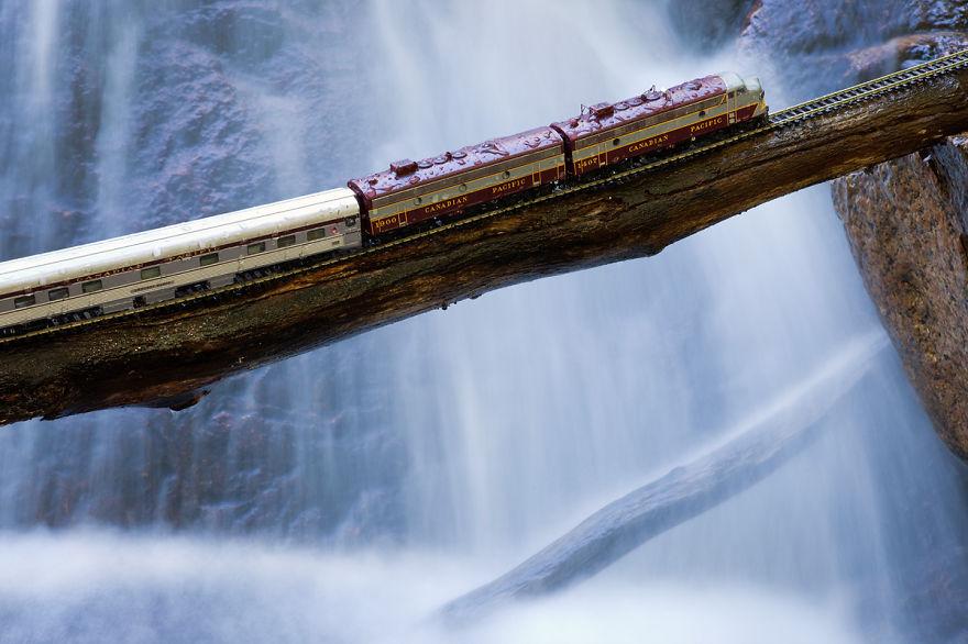 Cascade Crossing