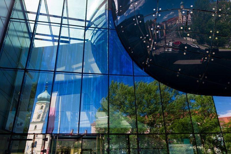 Kunsthaus Graz Art Museum. Photo via: graztourismus.at